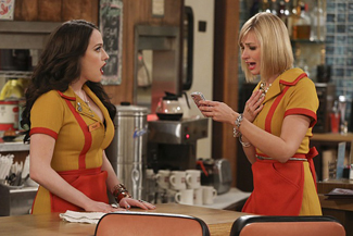 2 Broke Girls Season 6 DVD set