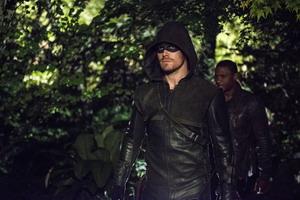 Arrow Seasons 1-3 dvd-1